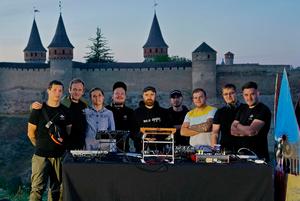 Музичний андеграунд на тлі замків України: як працює платформа електронної музики EVE8