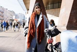 Листопад у місті: що одягають люди в останні теплі дні
