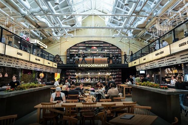«Зібрати найкращі ресторани міста»: перші фото Kyiv Food Market на «Арсенальній»