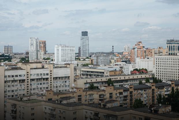 Як це – жити й працювати в найвищому хмарочосі України