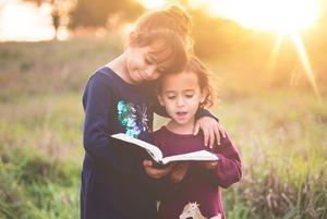 Як виростити дитину двомовною