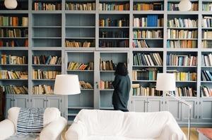Багато книг не буває: як облаштувати домашню бібліотеку