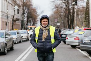 «Євробляхи»: хто і чому перекриває дорогу біля Верховної Ради