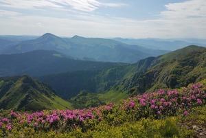 7 піших маршрутів Карпатами, які варто пройти цього літа