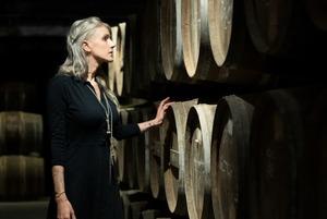 «Виготовляти коньяк, як алхіміки»: як Hennessy співпрацює із сучасними художниками