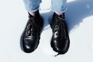 Особлива увага: що треба знати про догляд за зимовим взуттям