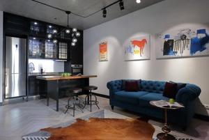 Бетон і кришталь у лофті на Airbnb