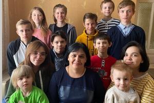 Ти будеш моєю мамою? Історія Оксани Джури та її дванадцятьох дітей