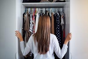 Що таке капсульний гардероб і як його зібрати?