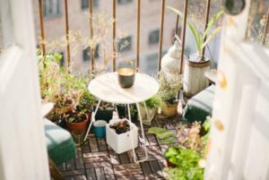 Як облаштувати затишний балкон