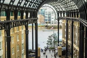 Як оновили порт Лондона після авіанальотів Другої Світової? Приклад реконструкції міського простору