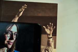 Ізоляція: фотограф Валентин Кузан знімає онлайн-портрети для «Гадання на карантині»