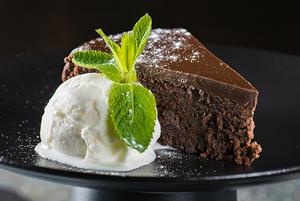 Комбо дня: шоколадний торт у поєднанні з пивом стаут