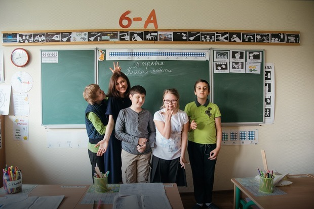 «Інші звичайні люди». Історія про дівчину, яка вчить дітей із синдромом Дауна та аутизмом