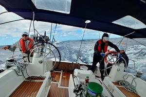 «Ми втратили основне вітрило»: екстремальні моменти подорожі на яхті через океан