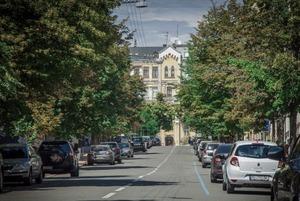 Київ узявся за платне паркування: все про «чорних» паркувальників, нові тарифи та штрафи