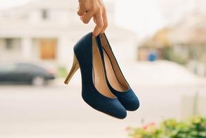 Носити змінне взуття на роботі