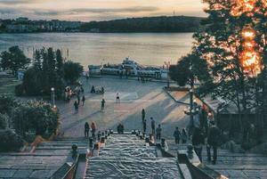 Сходи – не тільки в Одесі. Відгадаєте українське місто за фотографією?