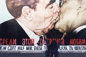 15 фільмів і серіалів про Берлін