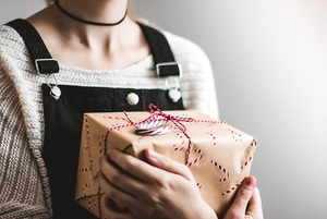 Як обрати подарунки в останній момент без стресу та черг