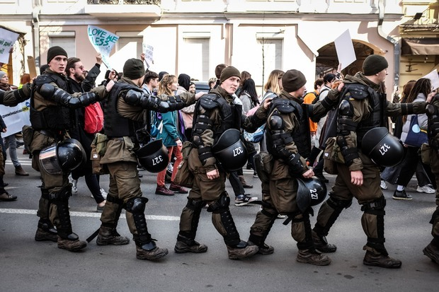 «Не берегиня»: репортаж із маршу за права жінок у Києві