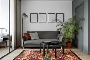 Світла квартира з бюджетним ремонтом та меблями з IKEA