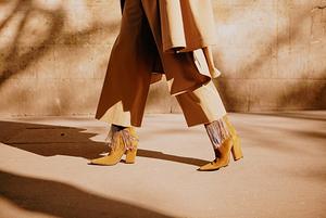 Дезерти, ковбойки, ботильйони: яке взуття носити восени