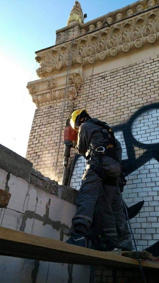 Добудову на Майдані демонтують: через це перенесли зупинку ...