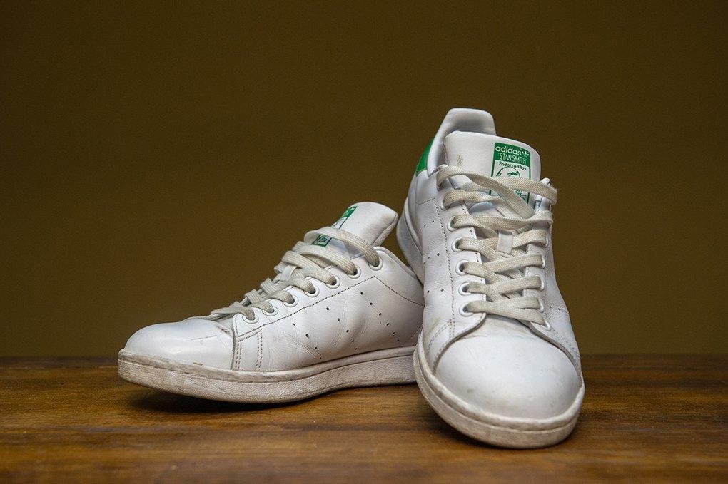 Як не зіпсувати кросівки під час чистки — The Village Україна cb3d5c9646968
