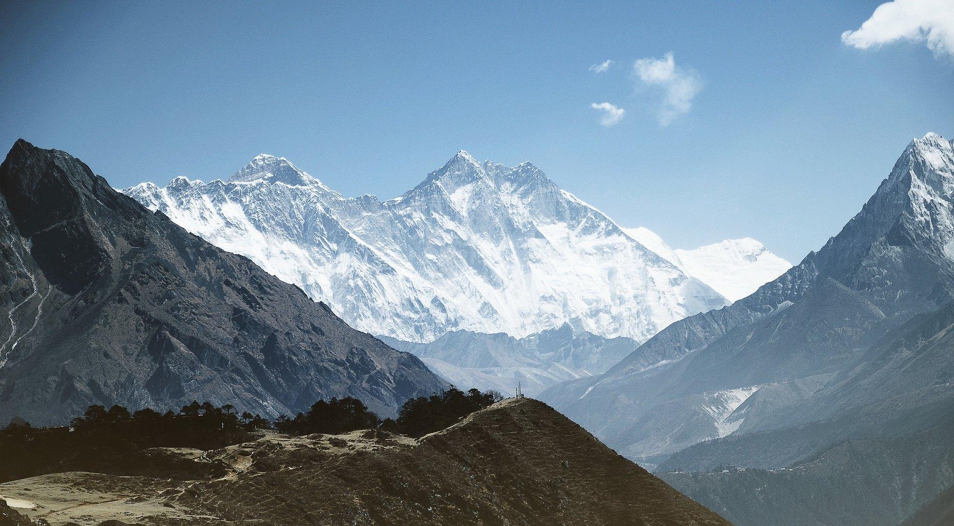 Найвища гора світу Еверест / pixabay