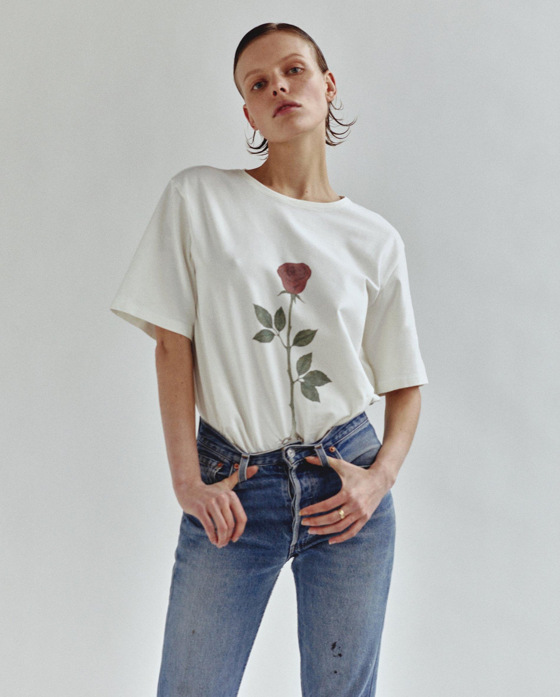 Унісекс футболки від колаборації Bobkova X Tolmachev. ПоділитисяТвiтнути. Український  бренд ... 59a84563dd595