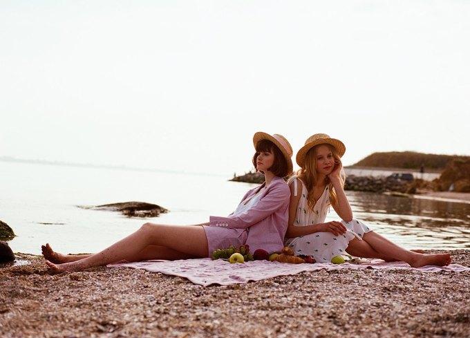 a4f182490c41a2 MustHave – позиціонує себе, як перший український мас-маркет жіночого  одягу. Бренд заснували в 2010 році дві подруги Анна Коваленко та Анастасія  Дзюба. ...