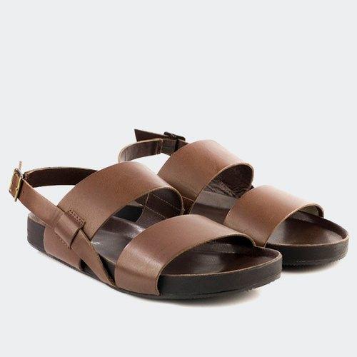 273da4910428f0 На літню спеку: 14 моделей взуття — The Village Україна