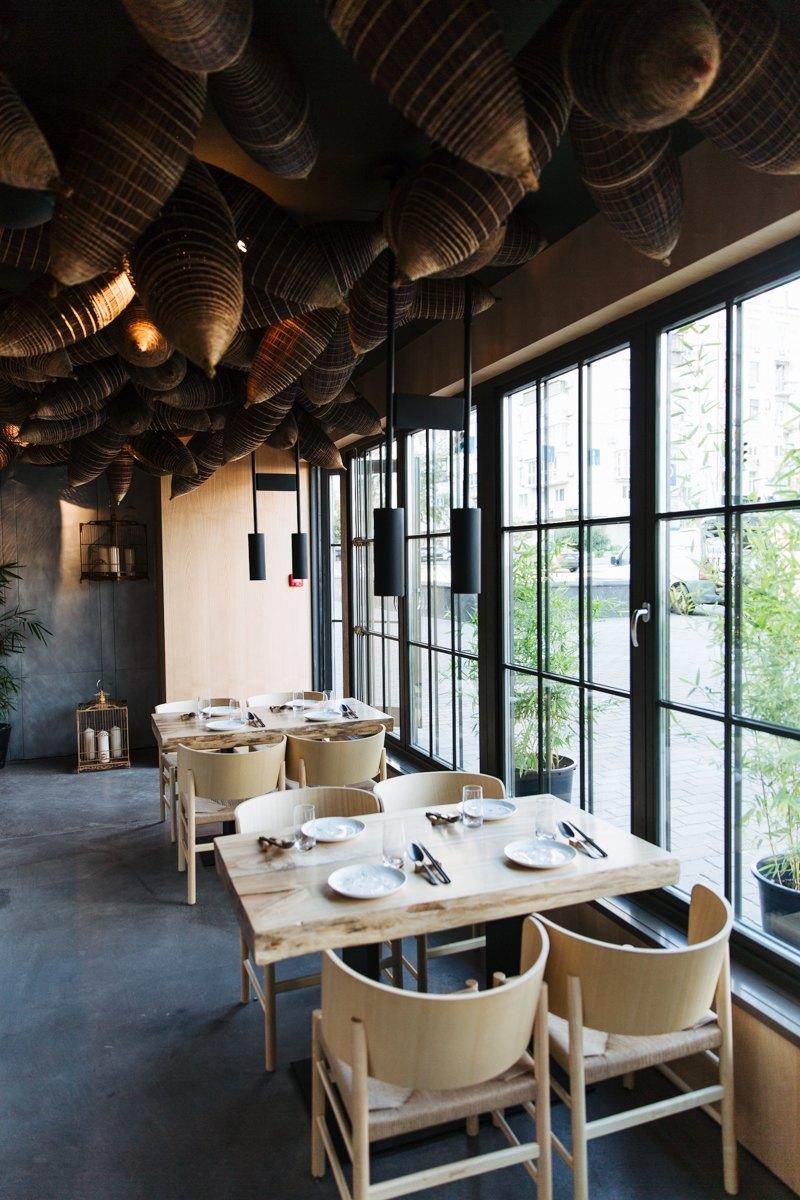 Уютный интерьер ресторана Спайси Ноу Спайси